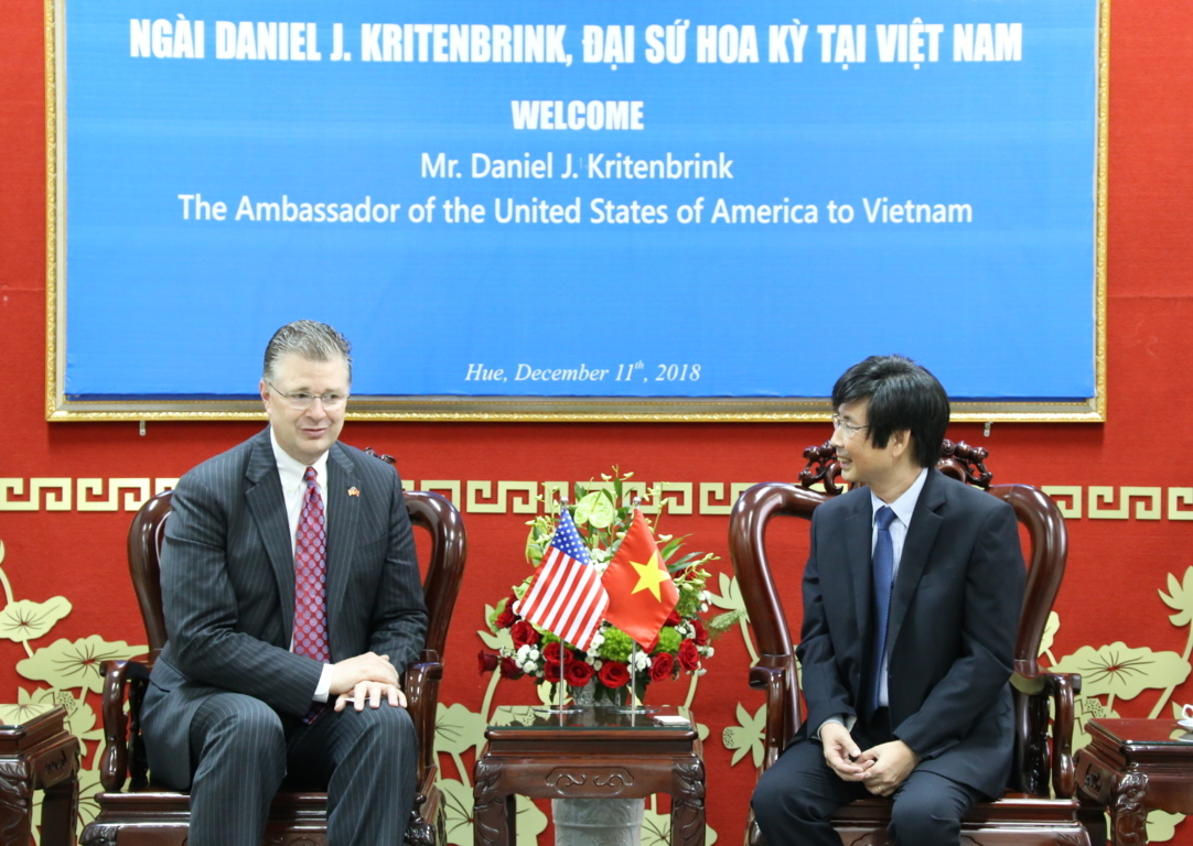 reception-of-the-ambassador-of-the-united-states-of-america-to-vietnam-at-university-of-foreign-languages-hue-university