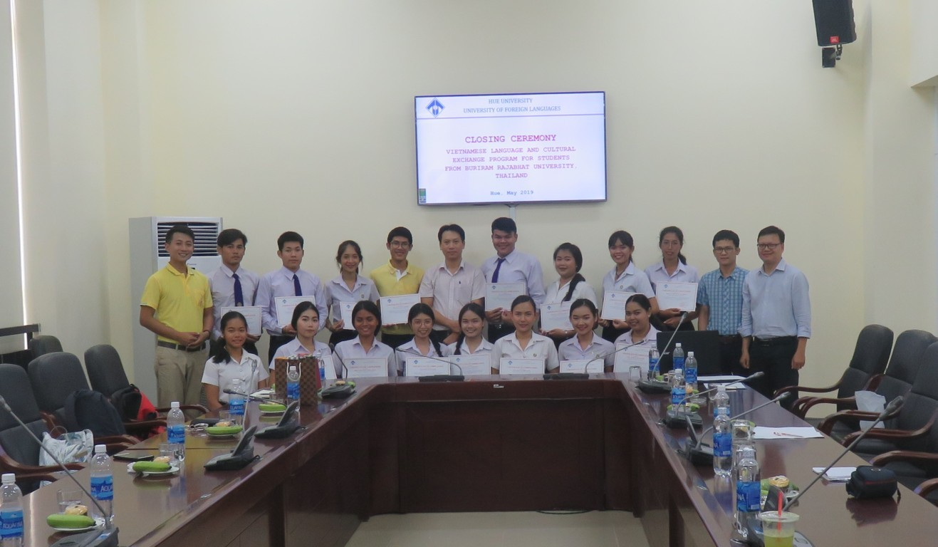 closing-ceremony-of-vietnamese-language-and-cultural-exchange-program-for-students-of-buriram-rajabhat-university-thailand